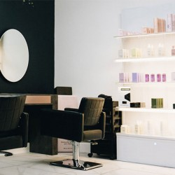 با این نکات و محصولات، درآمد خرده فروشی آرایشگاه خود را افزایش دهید